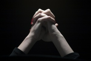praying-hands-black-and-white-dreamstime
