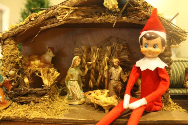 elf-on-the-shelf-ideas-nativity