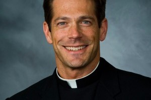 """Fr. Mike Schmitz, on Discerning Vocations: """"Be More Courageous"""""""