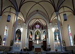 Holy_Cross-Immaculata_Church_(Cincinnati,_Ohio)_-_nave[1]